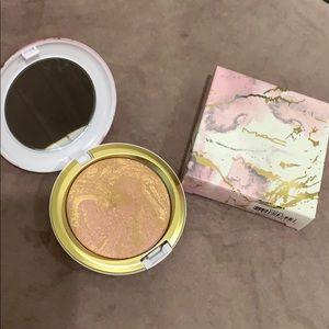 Other - MAC Electric Powder Iridescent Powder